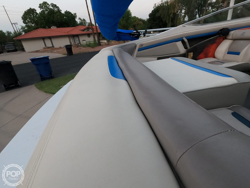 1993 Four Winns boat for sale, model of the boat is Horizon 210 & Image # 14 of 40