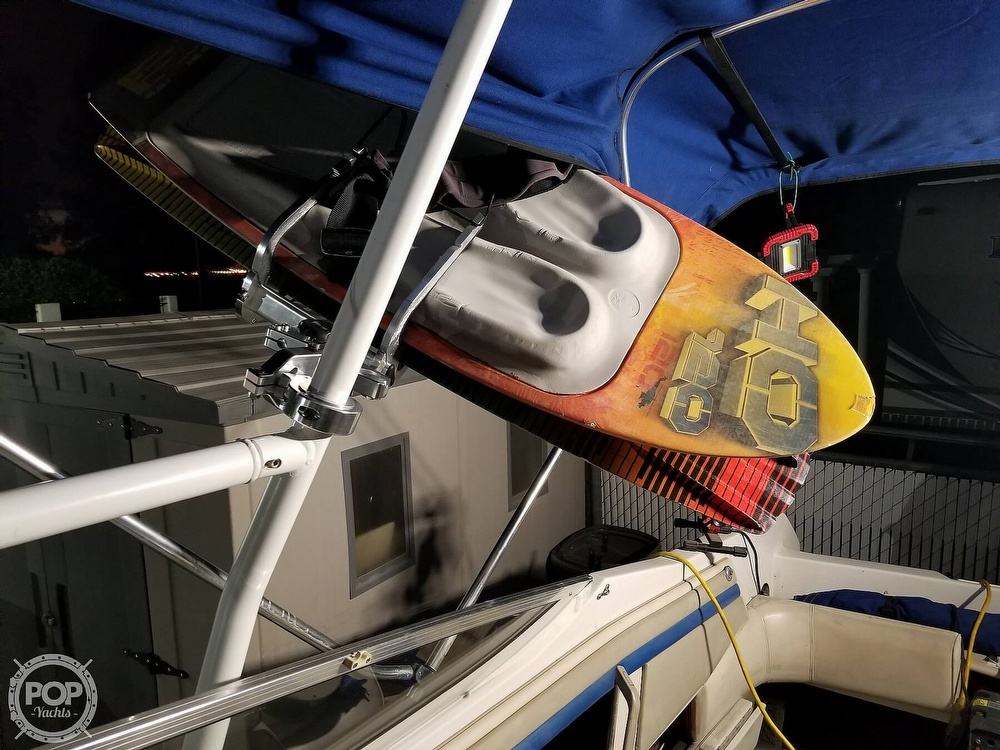 1993 Four Winns boat for sale, model of the boat is Horizon 210 & Image # 17 of 40