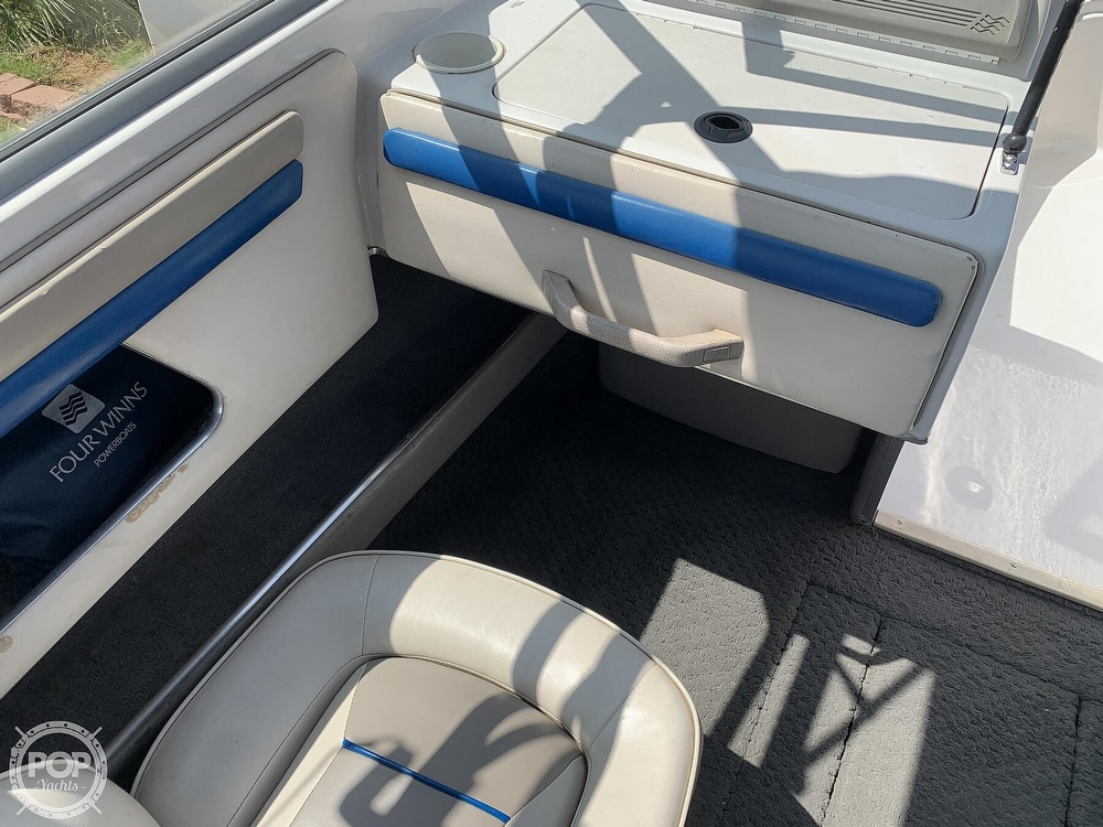 1993 Four Winns boat for sale, model of the boat is Horizon 210 & Image # 33 of 40