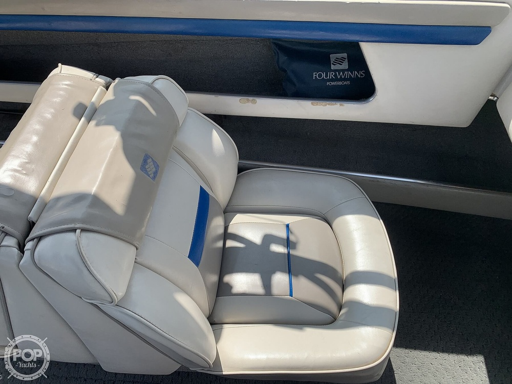 1993 Four Winns boat for sale, model of the boat is Horizon 210 & Image # 34 of 40