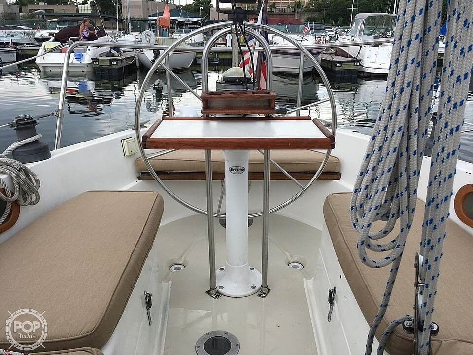 1978 Pearson boat for sale, model of the boat is 31 & Image # 18 of 40