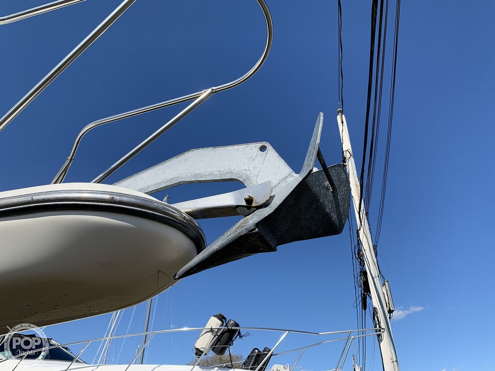 2000 Maxum boat for sale, model of the boat is 2800 SCR & Image # 28 of 40
