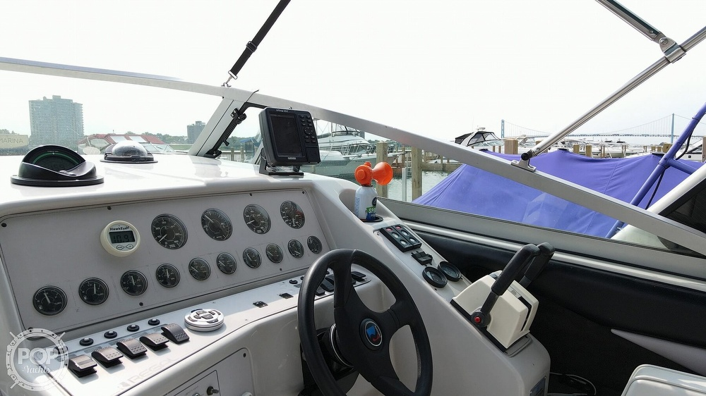1993 Regal boat for sale, model of the boat is Commodore 300 & Image # 13 of 40