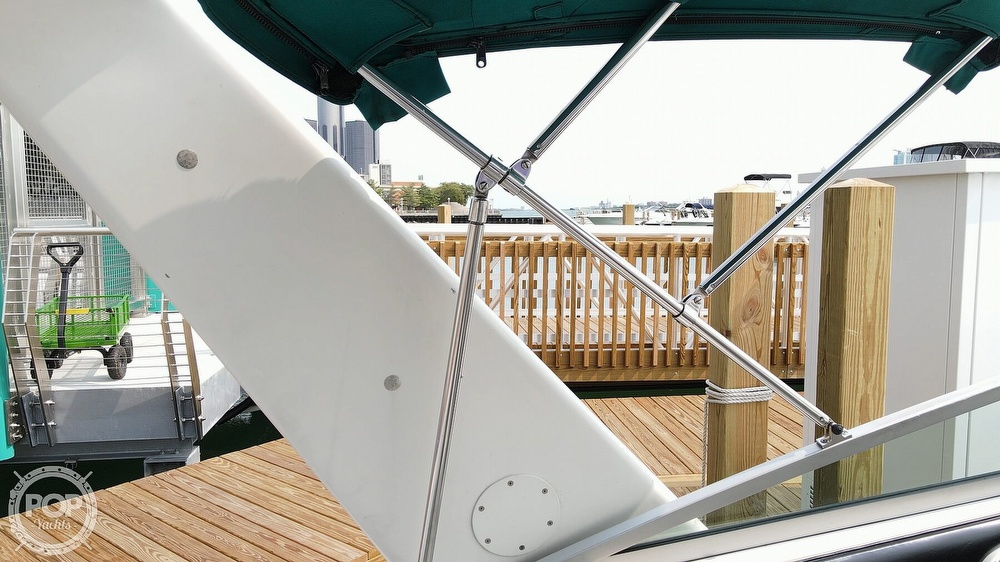 1993 Regal boat for sale, model of the boat is Commodore 300 & Image # 27 of 40