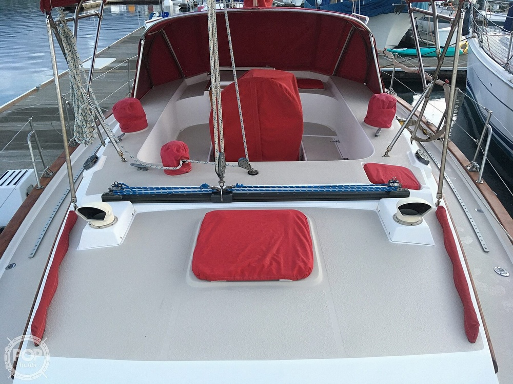 1988 Morgan boat for sale, model of the boat is 44 Catalina Center Cockpit & Image # 5 of 40