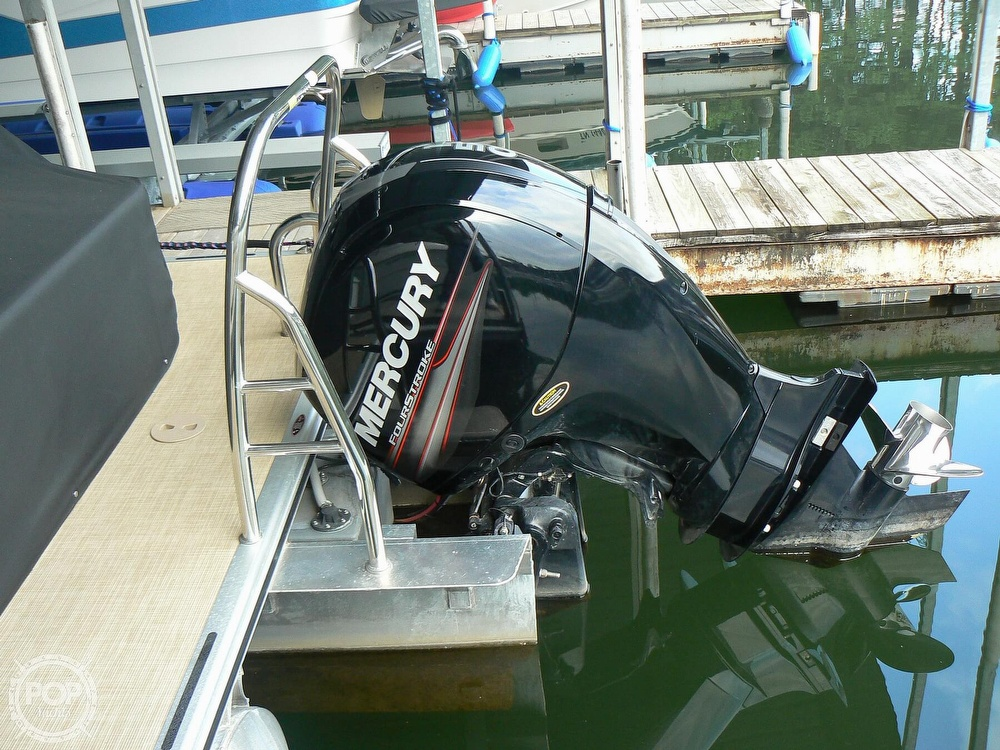 2018 Harris boat for sale, model of the boat is Cruiser 240 Hydro-Therapy & Image # 12 of 40