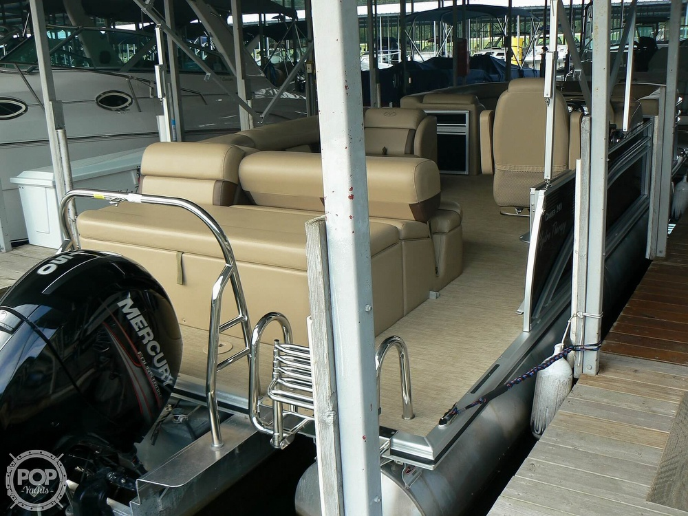 2018 Harris boat for sale, model of the boat is Cruiser 240 Hydro-Therapy & Image # 15 of 40