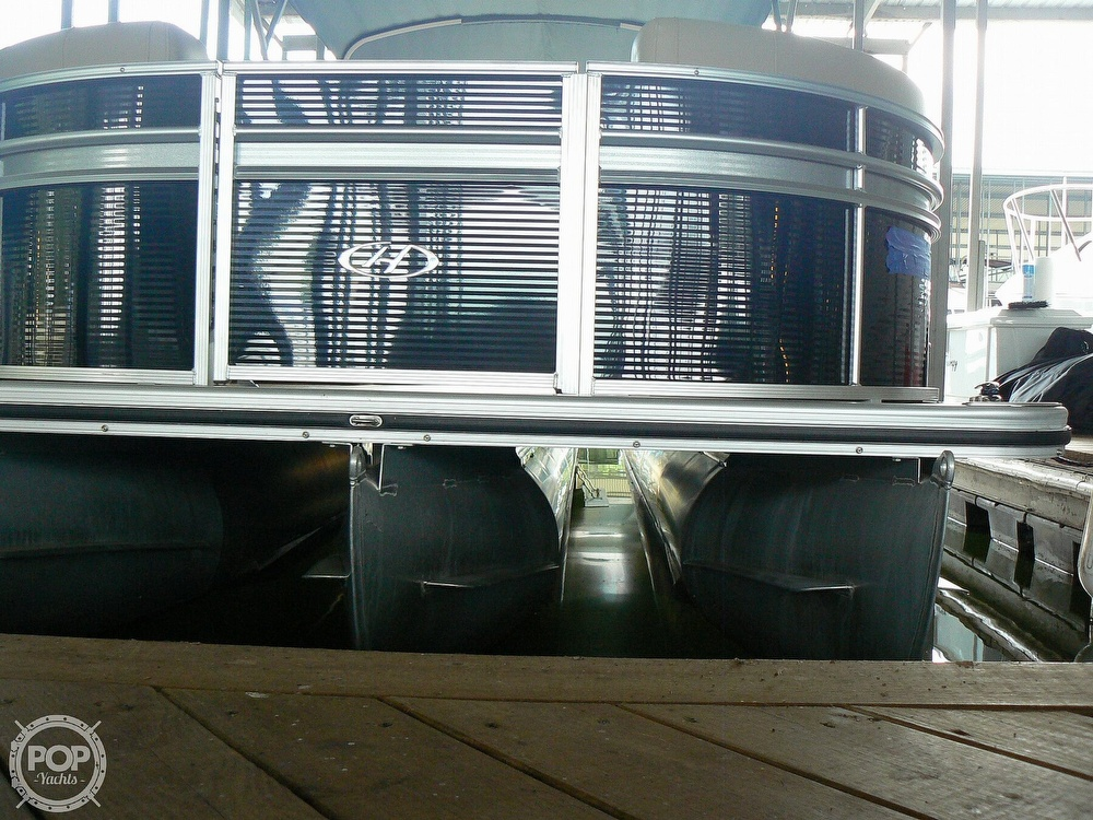 2018 Harris boat for sale, model of the boat is Cruiser 240 Hydro-Therapy & Image # 37 of 40