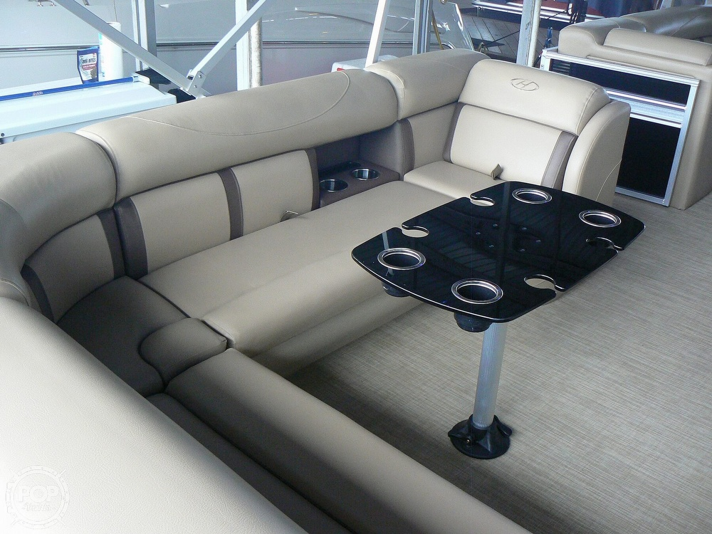 2018 Harris boat for sale, model of the boat is Cruiser 240 Hydro-Therapy & Image # 2 of 40