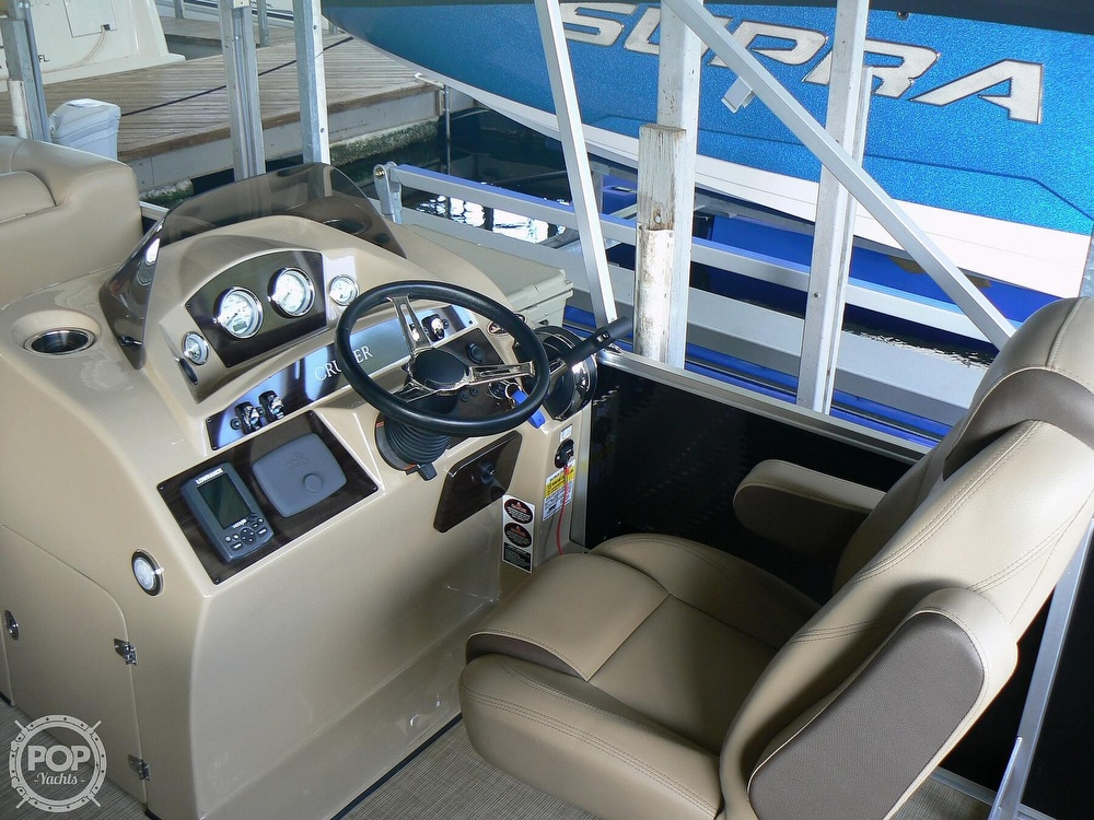 2018 Harris boat for sale, model of the boat is Cruiser 240 Hydro-Therapy & Image # 4 of 40