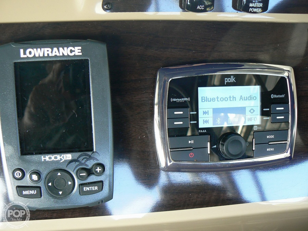 2018 Harris boat for sale, model of the boat is Cruiser 240 Hydro-Therapy & Image # 3 of 40