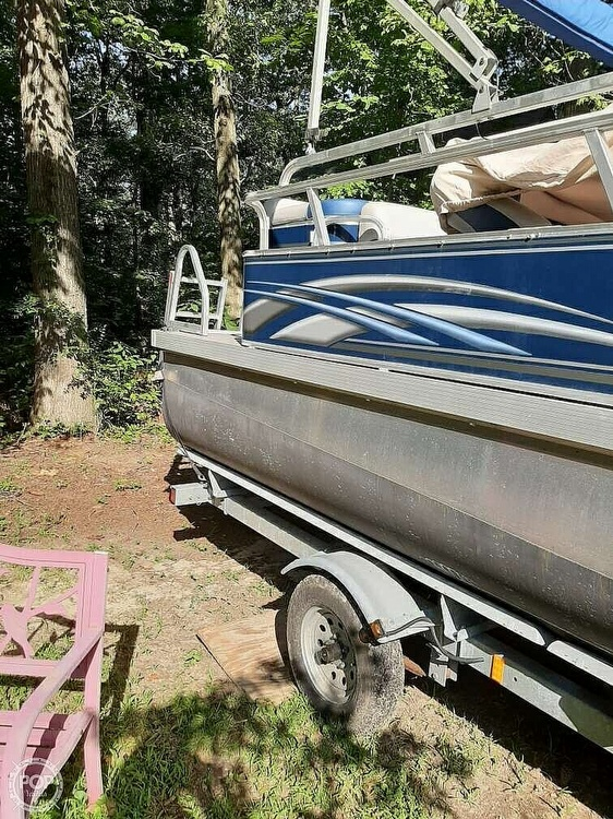 2012 G3 Boats boat for sale, model of the boat is Suncatcher 208 LV Cruise & Image # 18 of 22