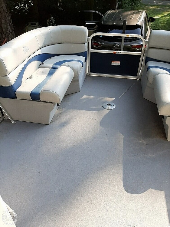 2012 G3 Boats boat for sale, model of the boat is Suncatcher 208 LV Cruise & Image # 13 of 22