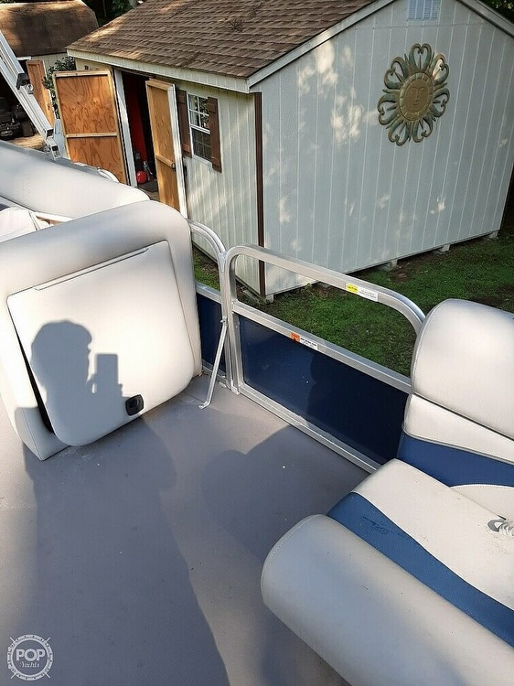 2012 G3 Boats boat for sale, model of the boat is Suncatcher 208 LV Cruise & Image # 17 of 22