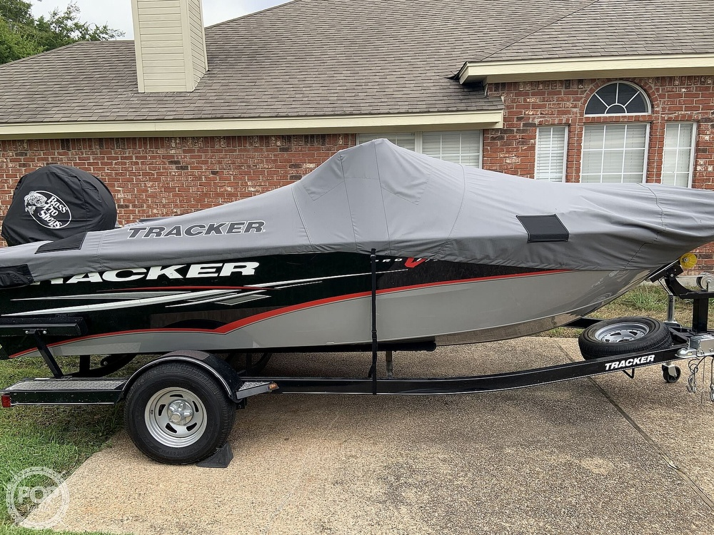 2014 Tracker Boats boat for sale, model of the boat is Pro V Guide 175 Wt & Image # 5 of 7