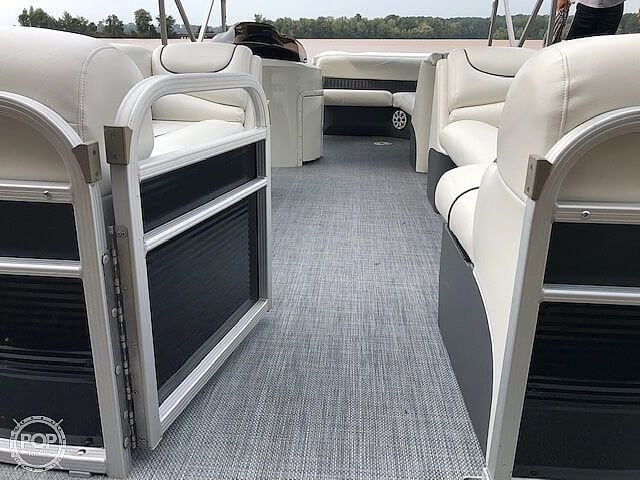 2013 Bennington boat for sale, model of the boat is Gl2274 & Image # 33 of 40
