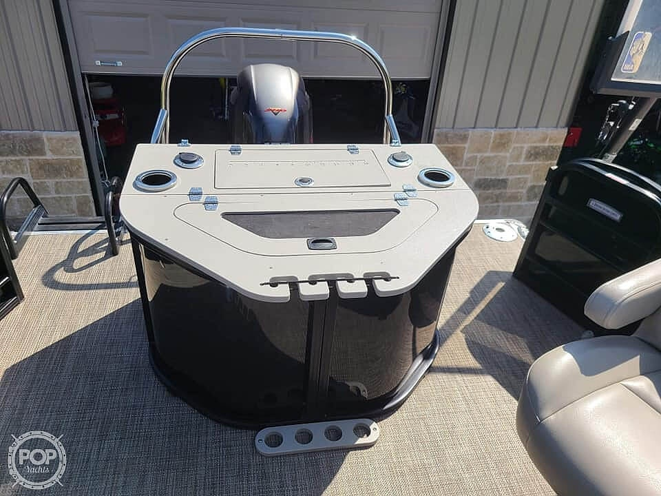 2019 Berkshire Pontoons boat for sale, model of the boat is 24 rfc & Image # 20 of 22