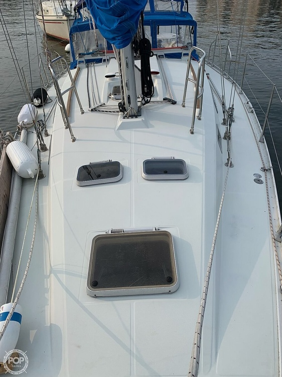 1991 Beneteau boat for sale, model of the boat is 38 M & Image # 31 of 40
