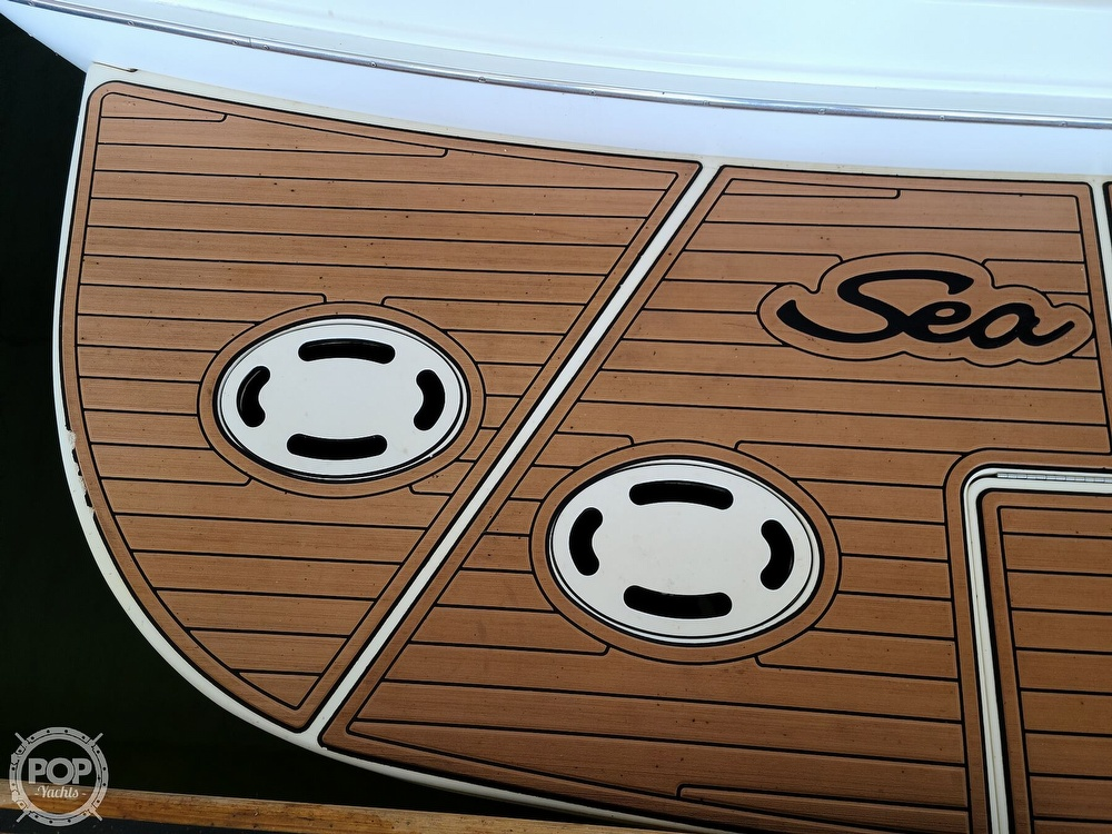 2001 Sea Ray boat for sale, model of the boat is 380 sundancer & Image # 33 of 40
