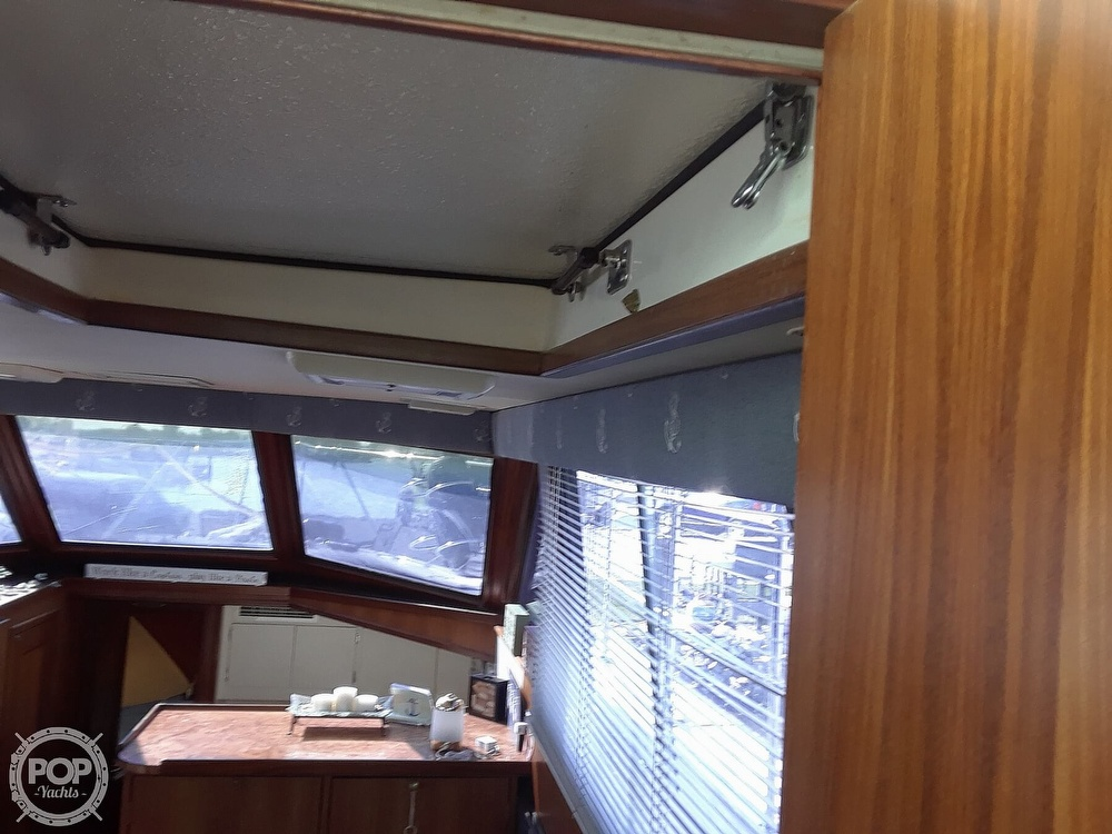 1988 Hatteras boat for sale, model of the boat is 40 Dual Cabin Motor Yacht & Image # 6 of 40