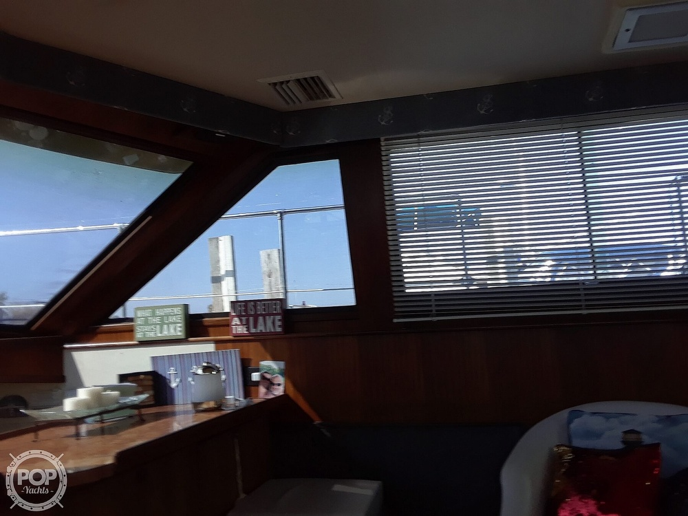 1988 Hatteras boat for sale, model of the boat is 40 Dual Cabin Motor Yacht & Image # 16 of 40