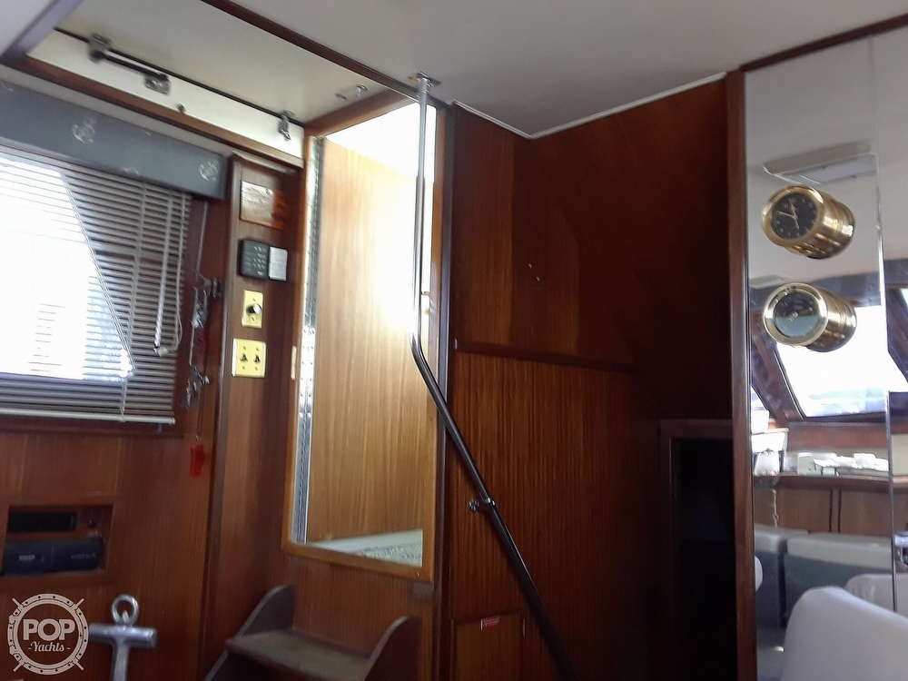 1988 Hatteras boat for sale, model of the boat is 40 Dual Cabin Motor Yacht & Image # 19 of 40