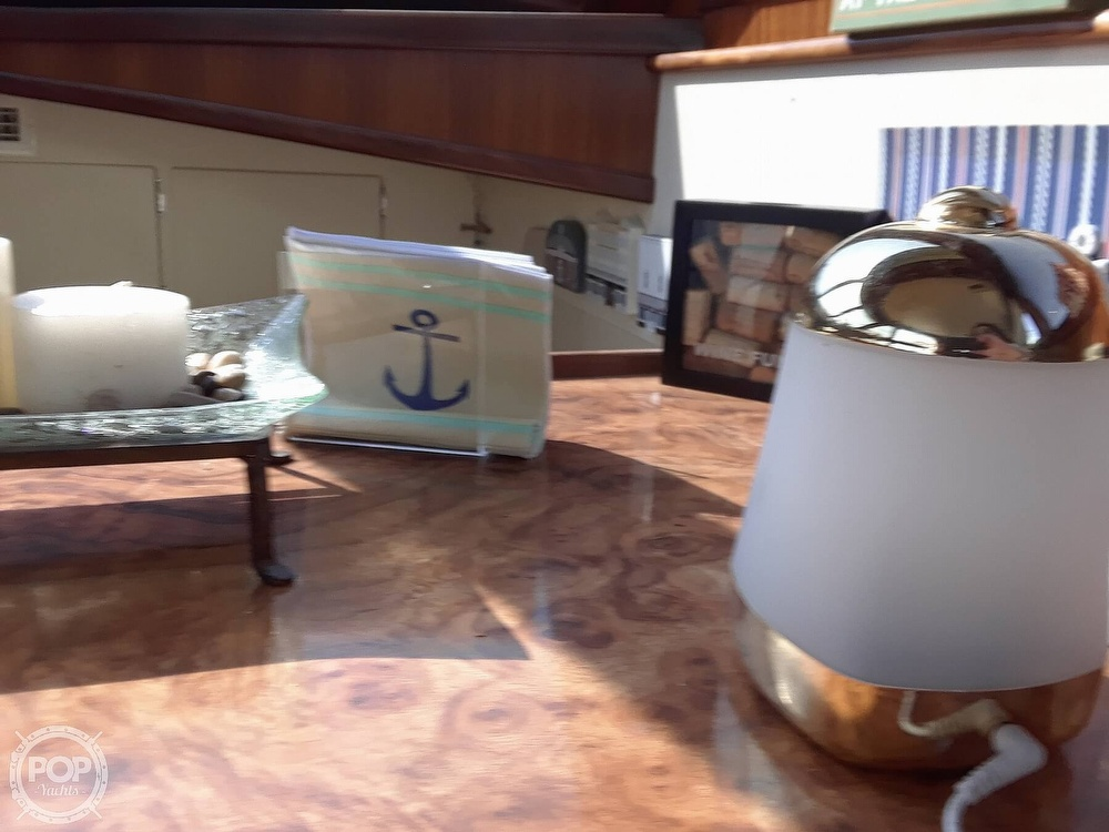 1988 Hatteras boat for sale, model of the boat is 40 Dual Cabin Motor Yacht & Image # 27 of 40