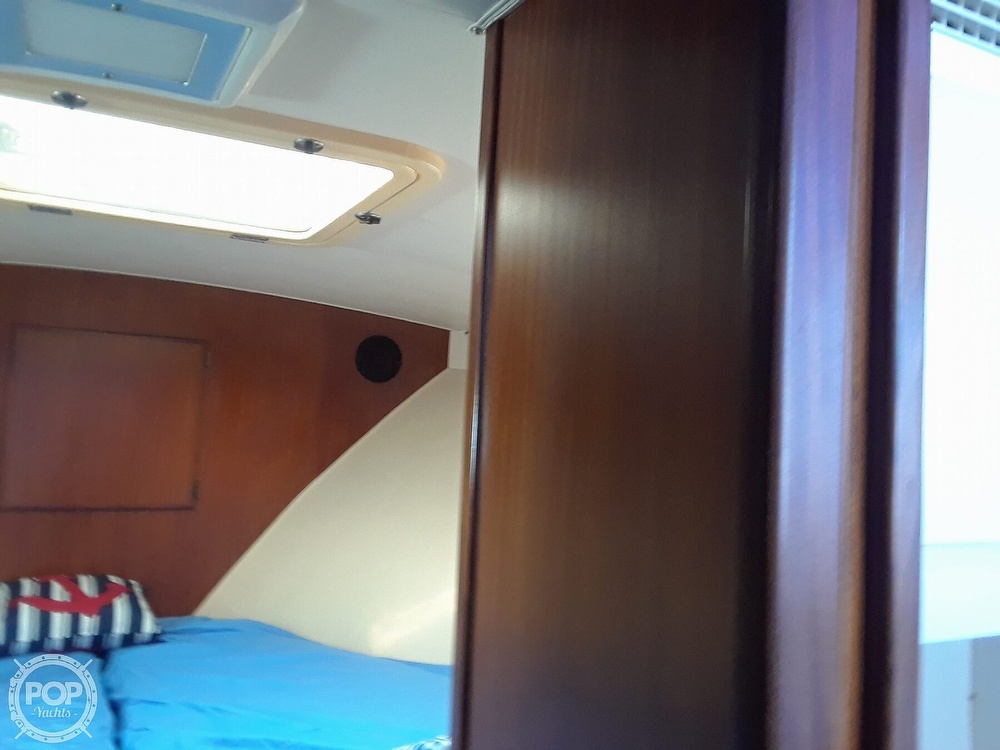 1988 Hatteras boat for sale, model of the boat is 40 Dual Cabin Motor Yacht & Image # 38 of 40
