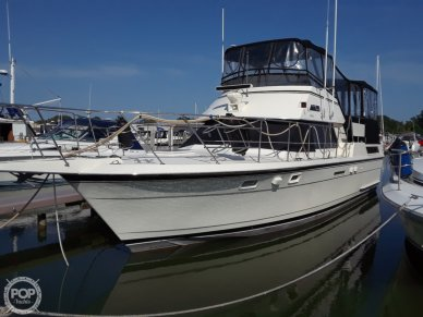 Hatteras 40 Dual Cabin Motor Yacht, 40, for sale - $105,600