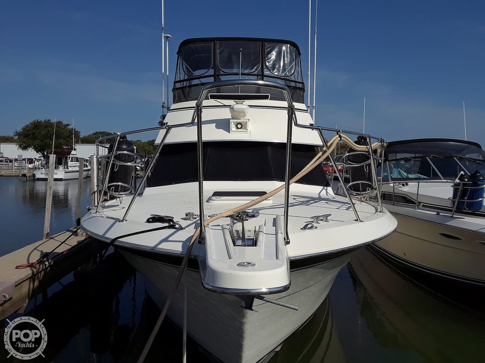 1988 Hatteras boat for sale, model of the boat is 40 Dual Cabin Motor Yacht & Image # 4 of 40