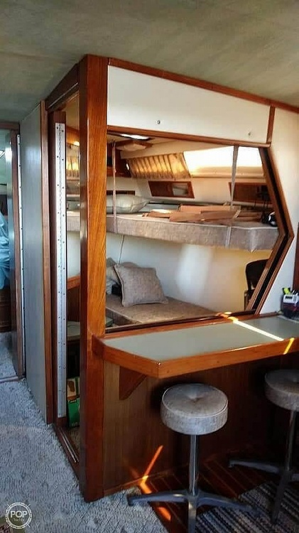 1987 Sea Ray boat for sale, model of the boat is 390 Express Cruiser & Image # 6 of 40