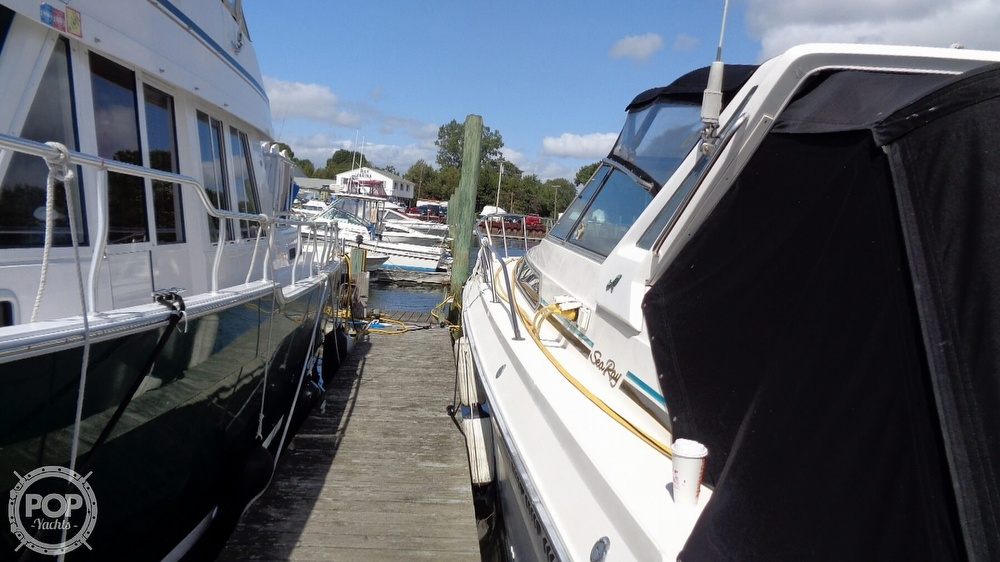 1987 Sea Ray boat for sale, model of the boat is 390 Express Cruiser & Image # 15 of 40