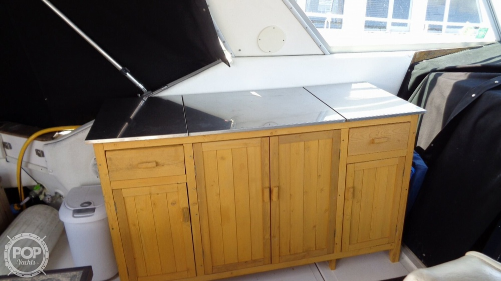 1987 Sea Ray boat for sale, model of the boat is 390 Express Cruiser & Image # 20 of 40