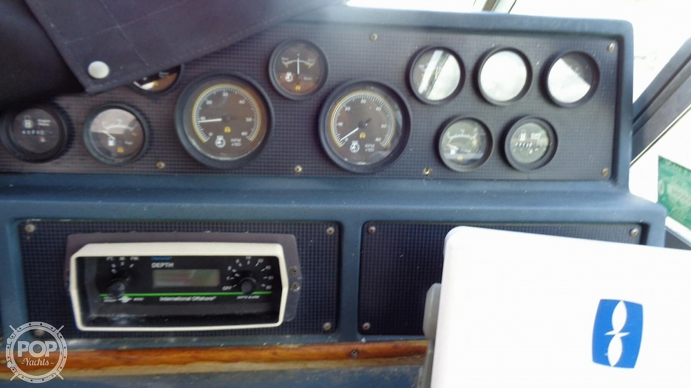 1987 Sea Ray boat for sale, model of the boat is 390 Express Cruiser & Image # 32 of 40