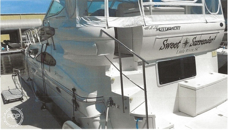 2006 Cruisers Yachts boat for sale, model of the boat is 415 Motor Yacht & Image # 2 of 2