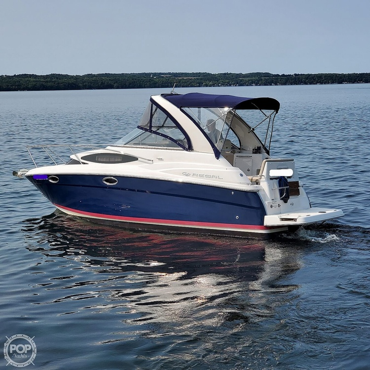 2011 Regal boat for sale, model of the boat is 2565 & Image # 2 of 40