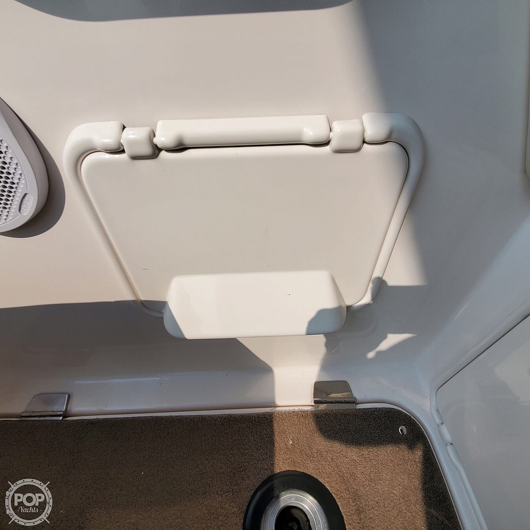 2011 Regal boat for sale, model of the boat is 2565 & Image # 25 of 40