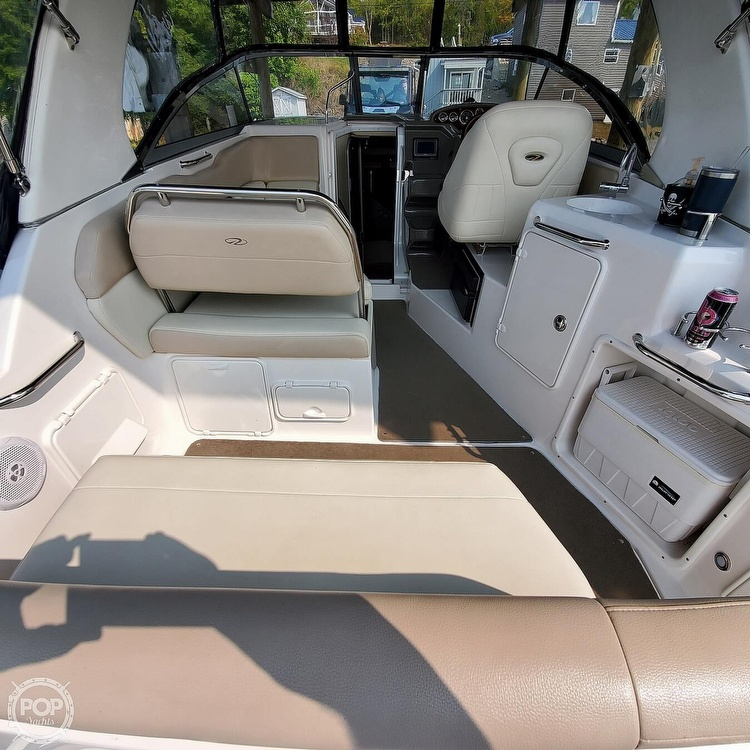 2011 Regal boat for sale, model of the boat is 2565 & Image # 4 of 40