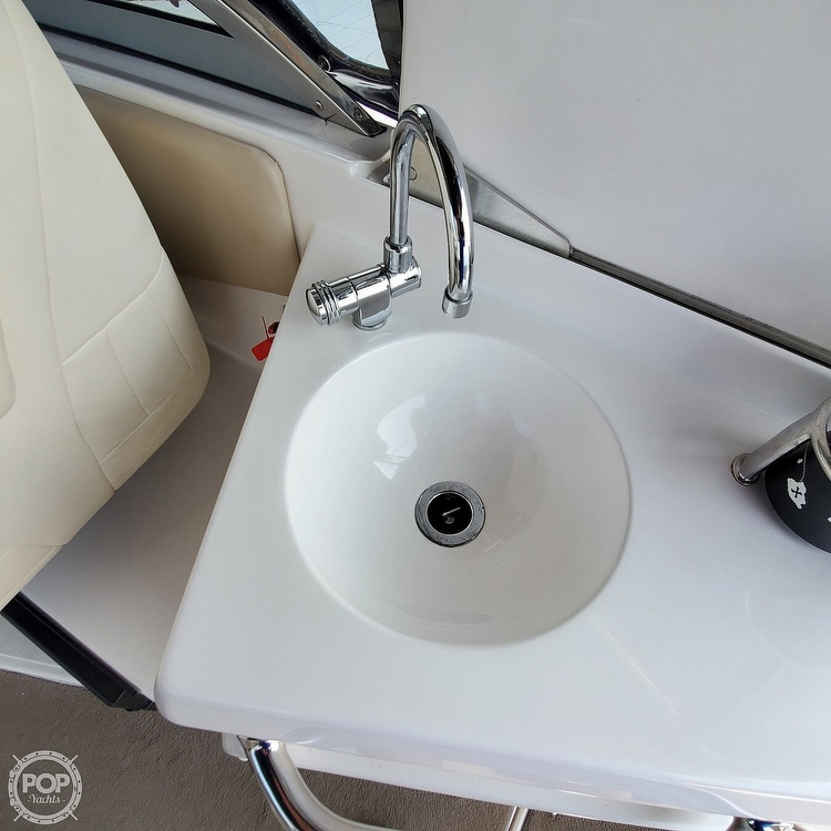 2011 Regal boat for sale, model of the boat is 2565 & Image # 30 of 40