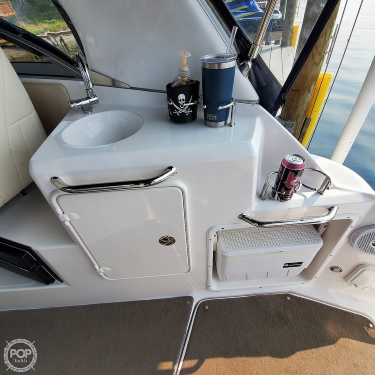 2011 Regal boat for sale, model of the boat is 2565 & Image # 33 of 40