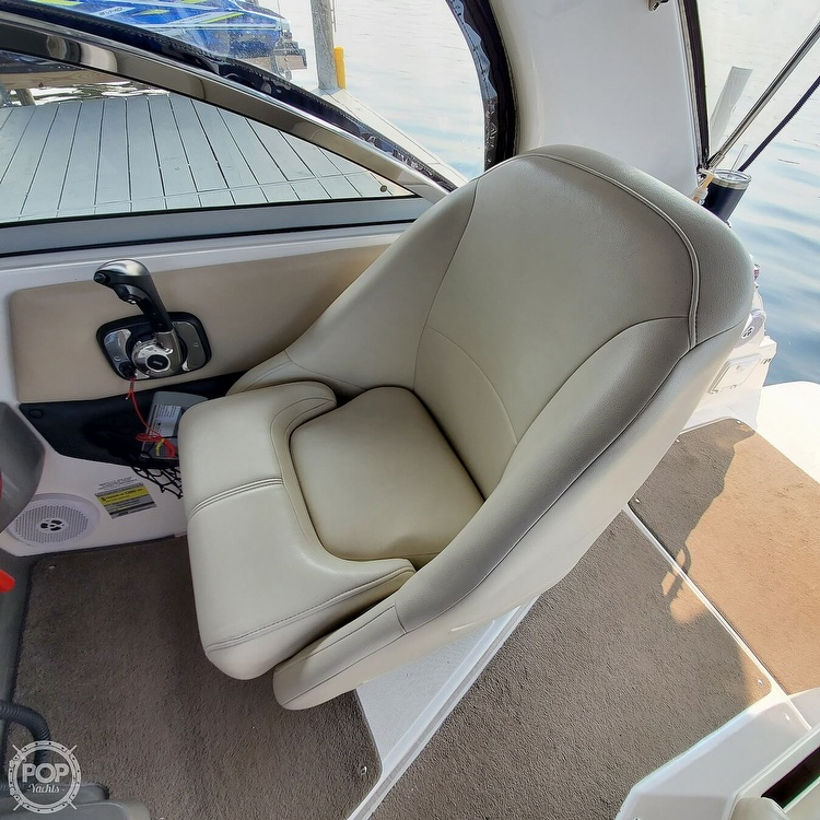 2011 Regal boat for sale, model of the boat is 2565 & Image # 34 of 40