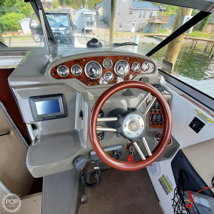 2011 Regal boat for sale, model of the boat is 2565 & Image # 38 of 40