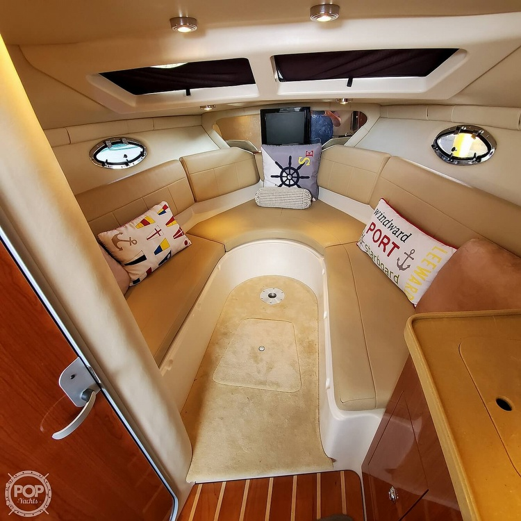 2011 Regal boat for sale, model of the boat is 2565 & Image # 3 of 40