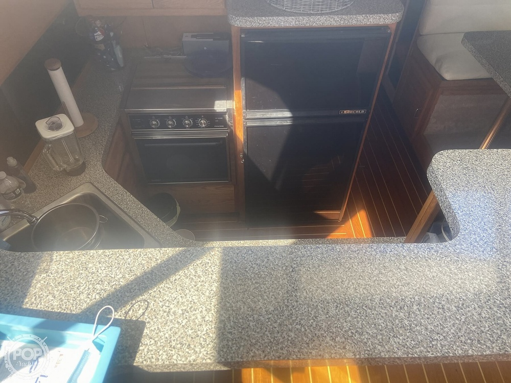 1988 Silverton boat for sale, model of the boat is 40 Aft Cabin & Image # 8 of 19