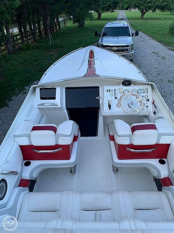 1991 Fountain boat for sale, model of the boat is 27 & Image # 2 of 7