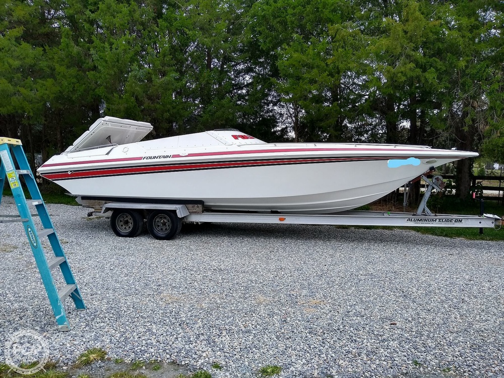 1991 Fountain boat for sale, model of the boat is 27 Fever & Image # 21 of 40