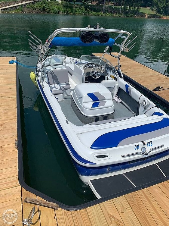 2001 Moomba boat for sale, model of the boat is Outback LS & Image # 4 of 40