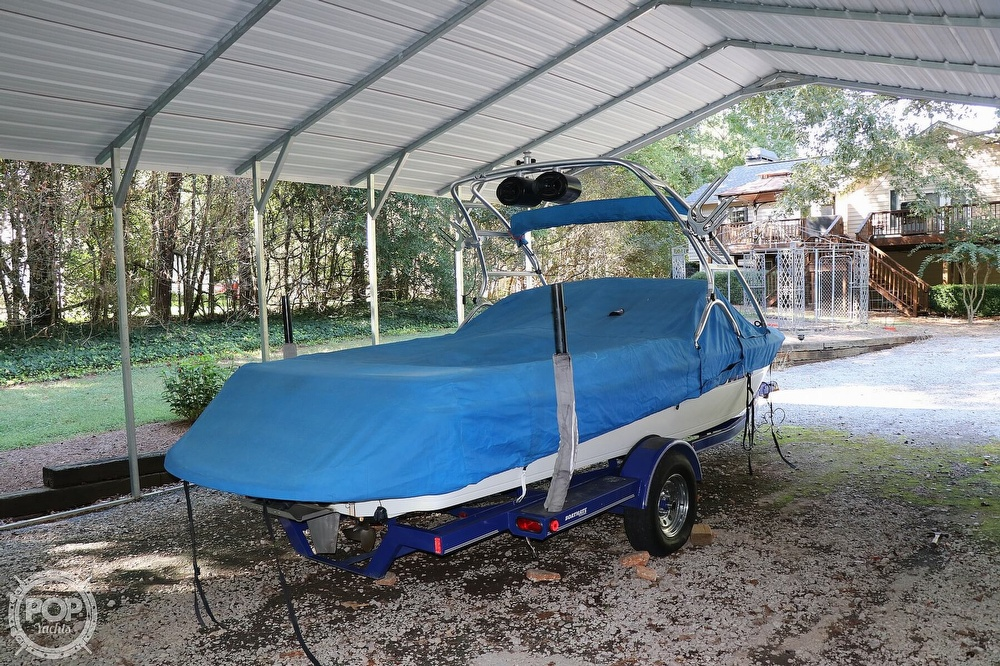 2001 Moomba boat for sale, model of the boat is Outback LS & Image # 31 of 40