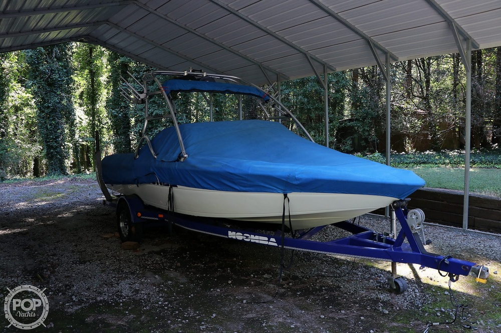 2001 Moomba boat for sale, model of the boat is Outback LS & Image # 32 of 40