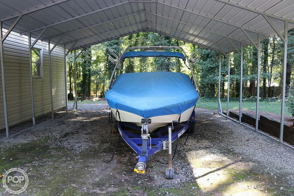 2001 Moomba boat for sale, model of the boat is Outback LS & Image # 33 of 40